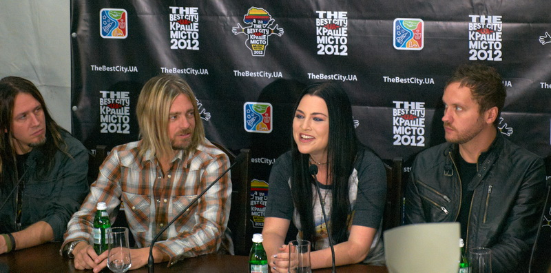 Evanescence at the press conference