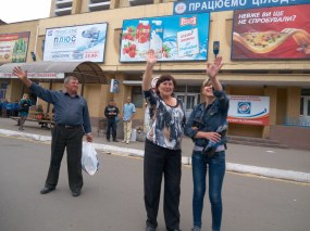 People great the motor rally dedicated to Victory Day