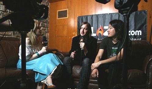 ali-interviewing-von-bondies11