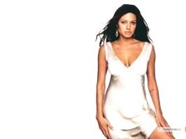 kinopoisk.ru-Angelina-Jolie-195444_1024