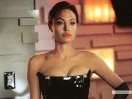 kinopoisk.ru-Angelina-Jolie-385273_1024