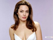 kinopoisk.ru-Angelina-Jolie-482784_1024