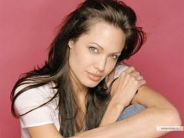 kinopoisk.ru-Angelina-Jolie-517724_1024