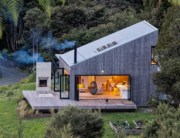 david-maurice-LTD-architectural-back-country-house-puhoi-new-zealand-designboom-1800
