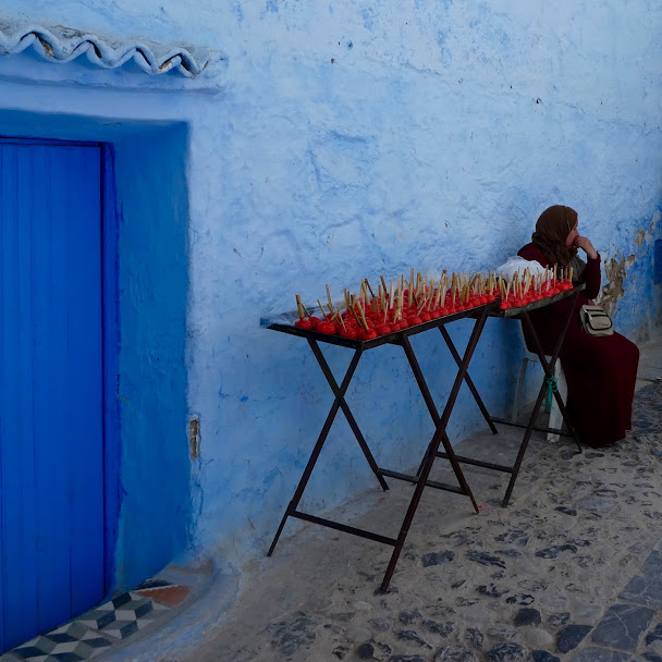 Toffee apple seller in Chefchaouen Medina