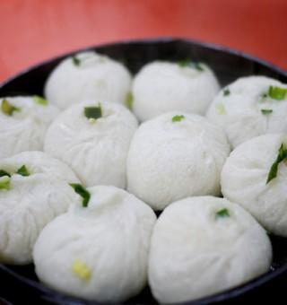 chinese steamed dumplings