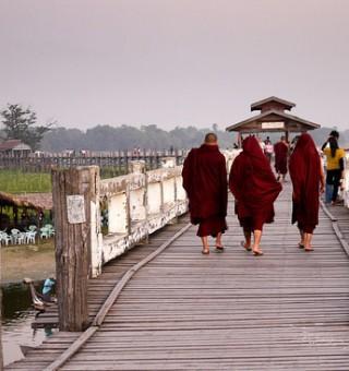 monks in mandalay u bein bridge