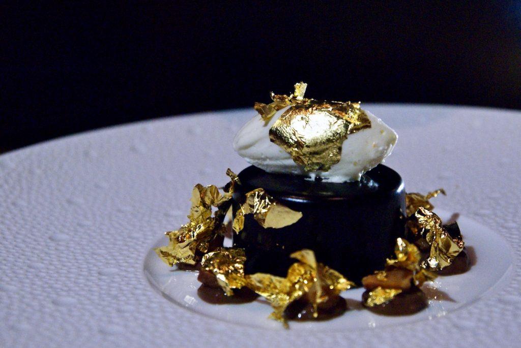 edible gold dish