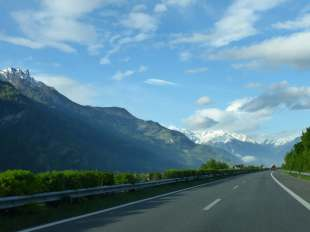 A typically quiet day on the roads, with views all around of snow capped mountains