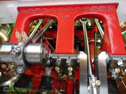 19 Paddle steamer engine