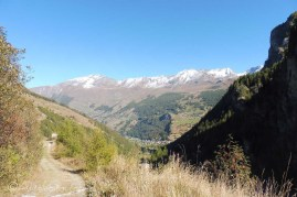 3-les-hauderes-in-the-valley