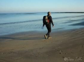 15-strolling-along