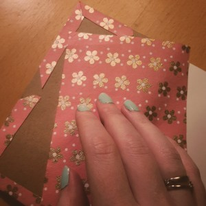 DIY Friday – Unique notebooks for bookworms and stationery-lovers. Sealing the back