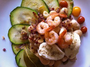 Courgette, butter bean, onion, tomato, mozzarella and prawns