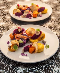 Plantain, red cabbage, celeriac, carrots and shrimp