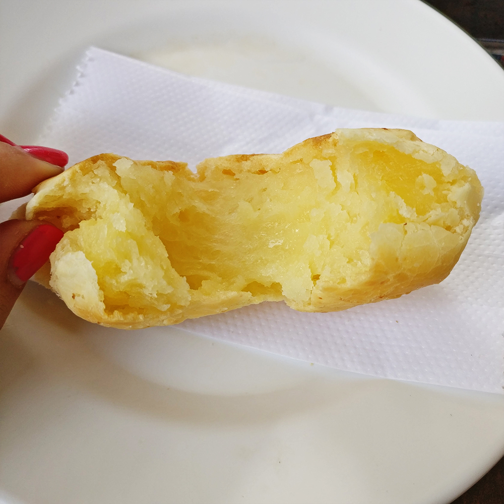 Pão de queijo - What to eat and drink in Brazil? | Aliz's Wonderland