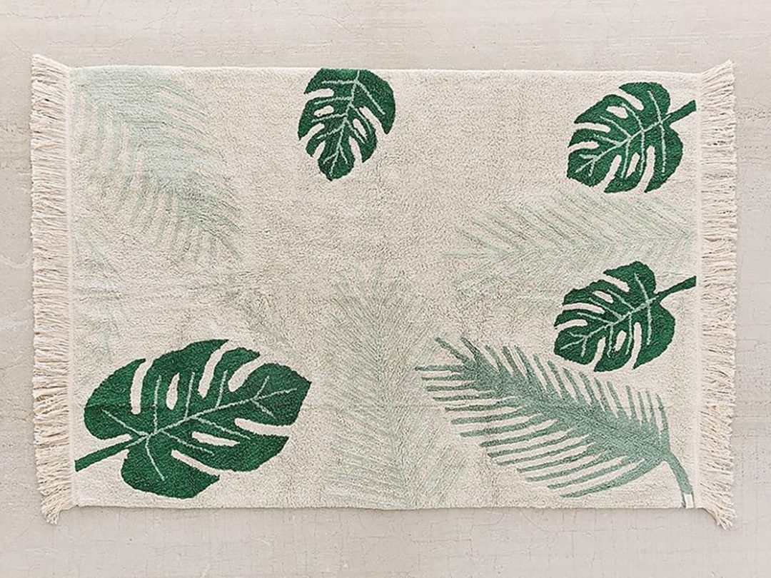 Tropical greens washable rug on urban outfitters - Tropical rugs - Transform your home into a tropical paradise | Aliz's Wonderland