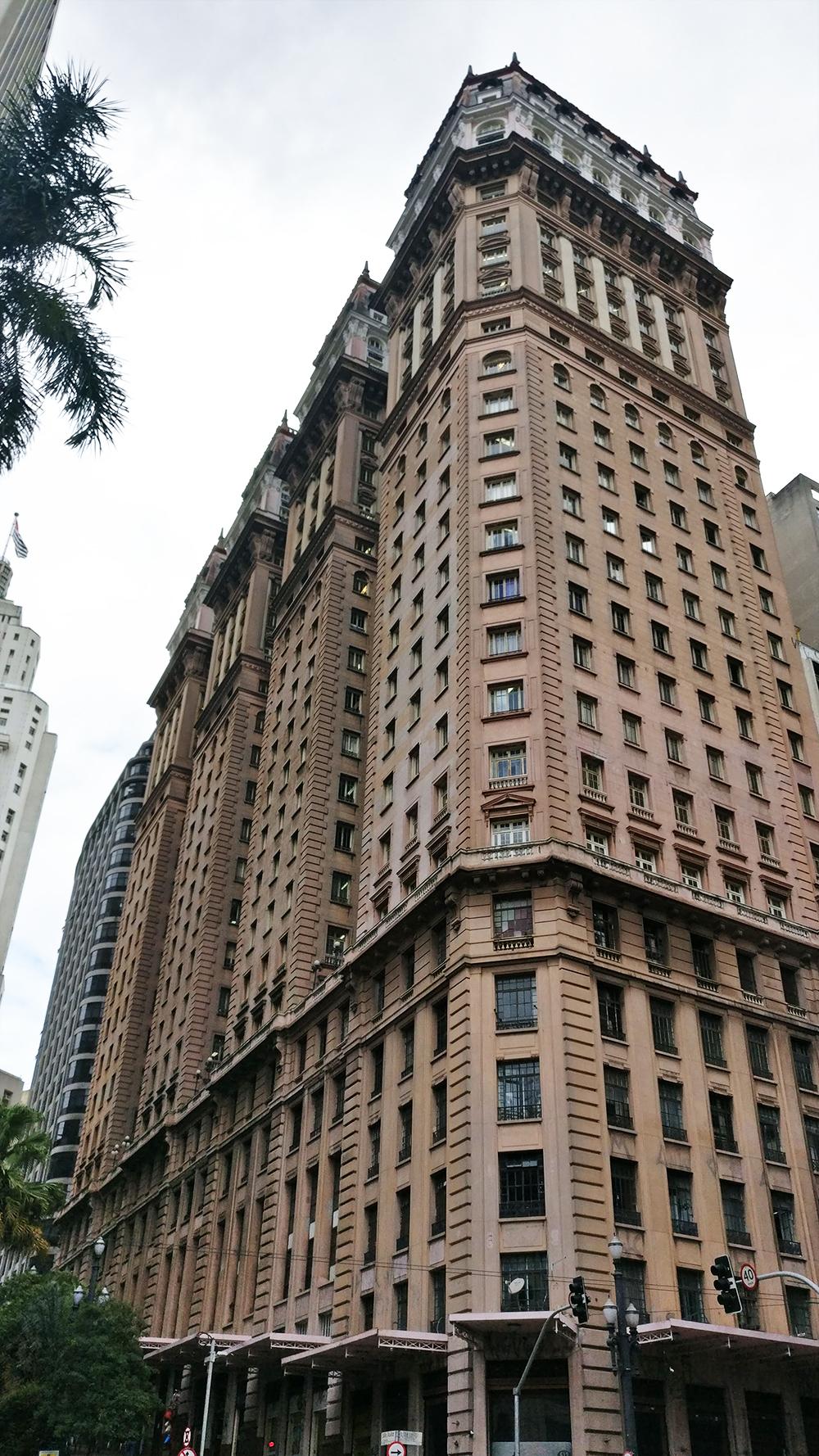 Edifício Martinelli - Historic skyscrapers in São Paulo - 10 things to do and see in São Paulo | Aliz's Wonderland