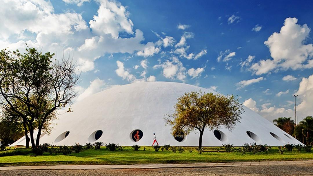Lucas Nogueira Garcez Pavilion in Ibirapuera Park - Oscar Niemeyer buildings in São Paulo - 10 things to do and see in São Paulo | Aliz's Wonderland