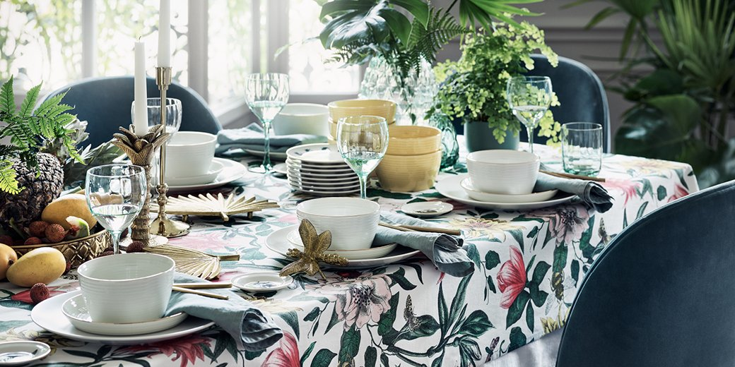 Floral patterned tablecloth by H&M Home - How to give life to your interior with floral pattern? | Aliz's Wonderland