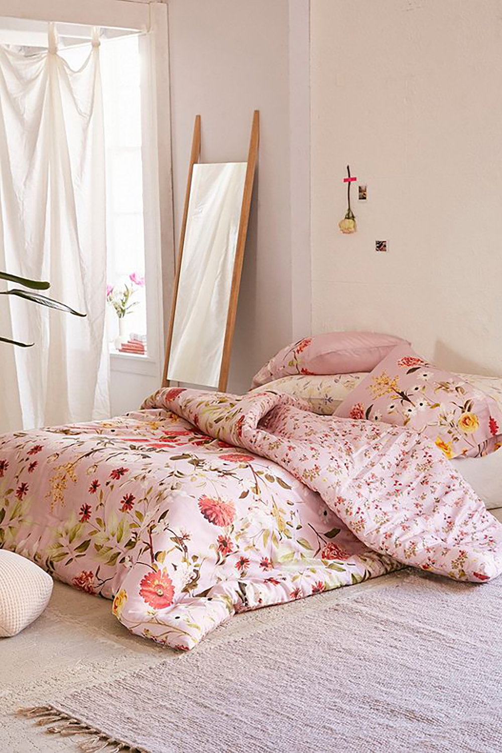Mauve Daniella Floral Comforter by urban outfitters - How to give life to your interior with floral pattern? | Aliz's Wonderland
