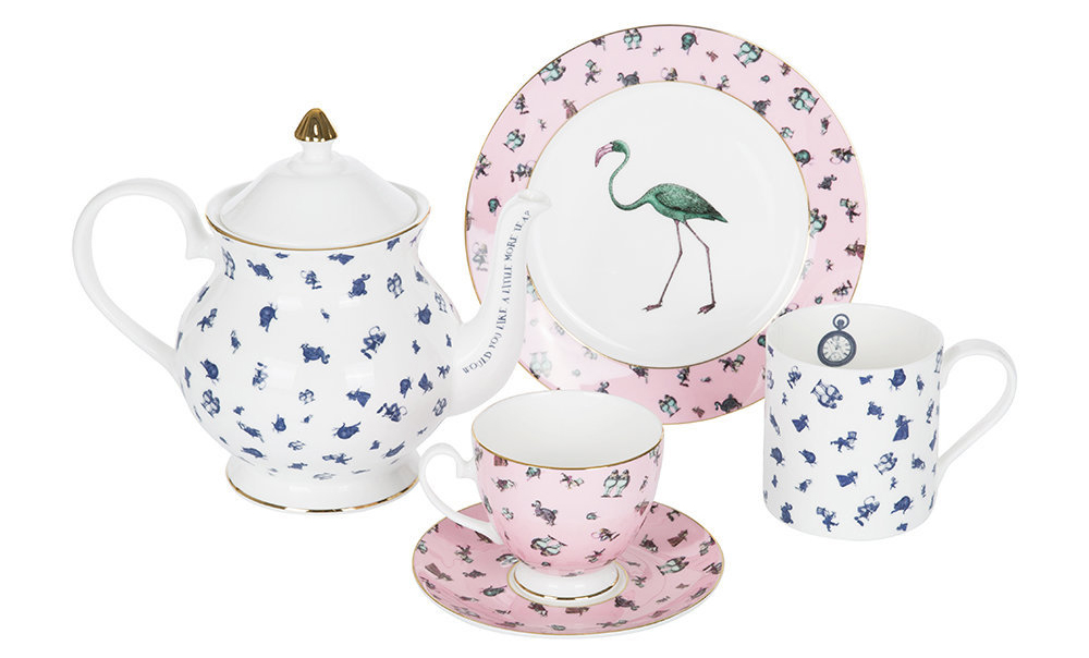 Flamingo teacup and saucer set for tea party - Decorate your home with flamingos | Aliz's Wonderland