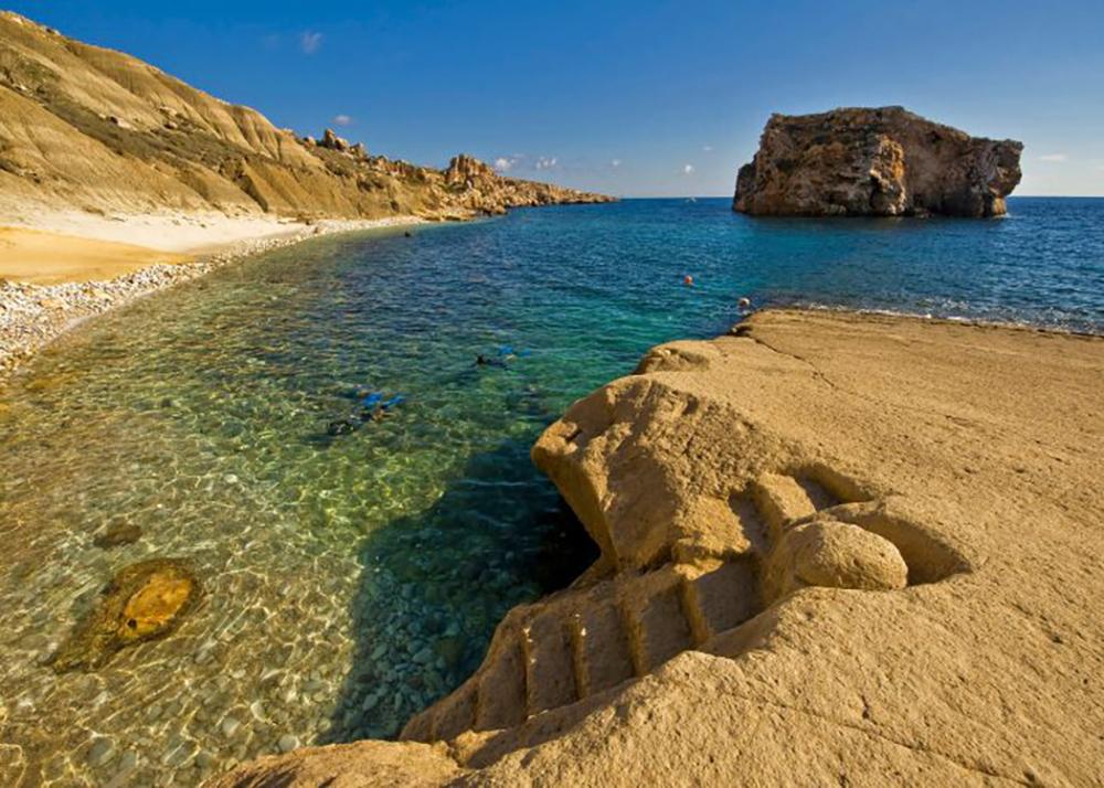 Hondoq Ir Rummien beach in Gozo - Best beaches in Malta | Aliz's Wonderland
