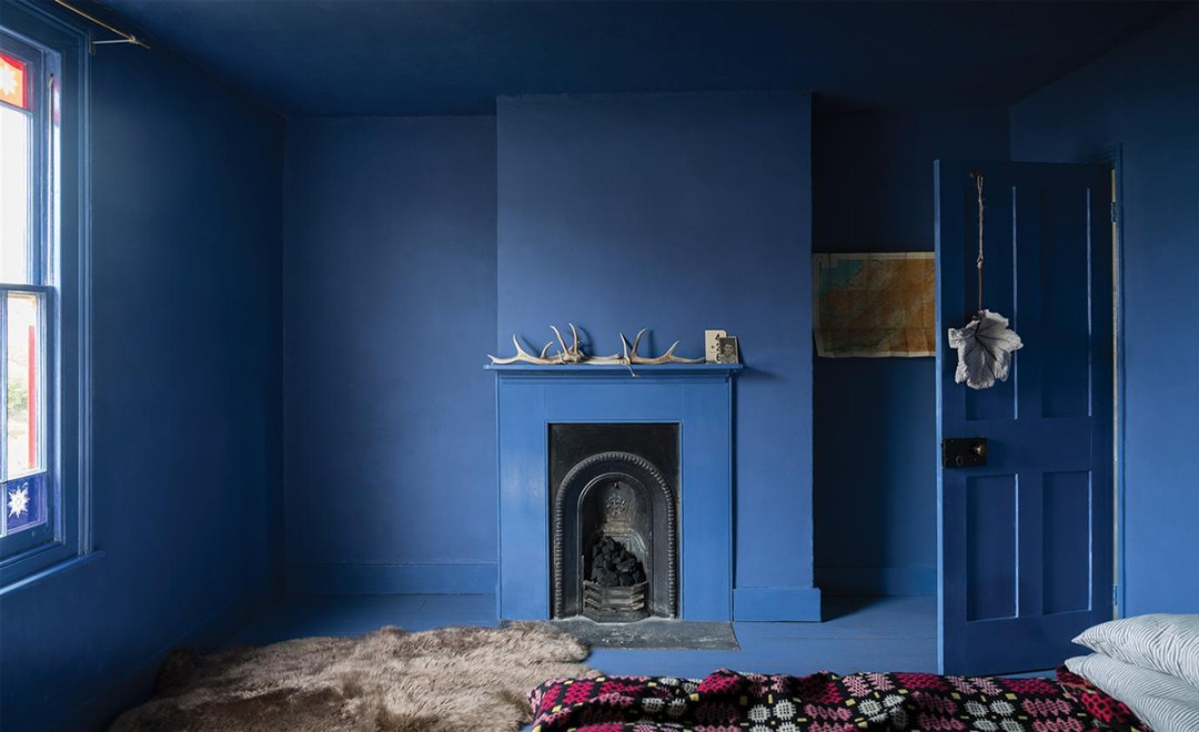 Blue overload in bedroom by Farrow & Ball - 35 ideas for blue wall colour in home decoration | Aliz's Wonderland