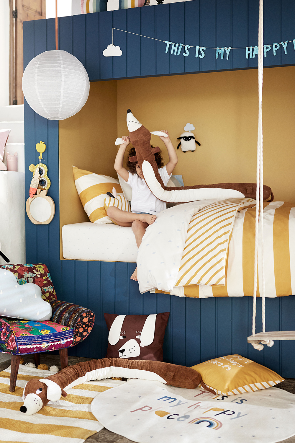 """This is my happy place"" says H&M Home, blue and yellow walls - 35 ideas for blue wall colour in home decoration 