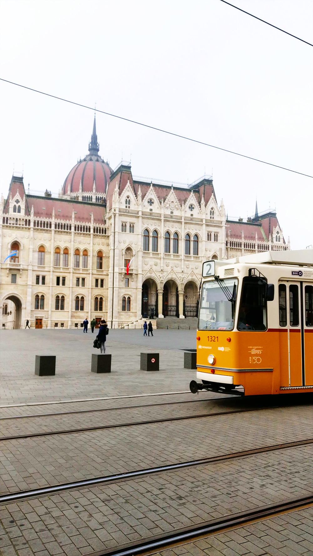 Travel with Tram 2, the tourist sightseeing tram - Relying on tourist buses - 12 mistakes to avoid when visiting Budapest, Hungary | Aliz's Wonderland #Budapest #Budapestguide #Hungary