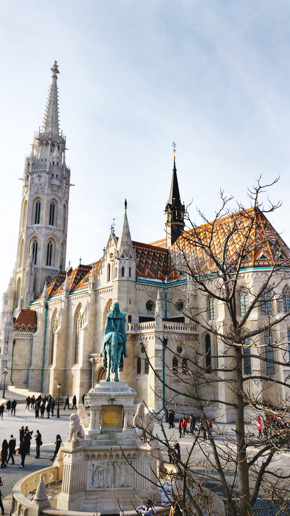 Matthias Church, a must-see attraction - A first-timer's guide to Budapest - Things to know about visiting Budapest, Hungary | Aliz's Wonderland #Budapest #Hungary #travel #travelguide #Budapestguide