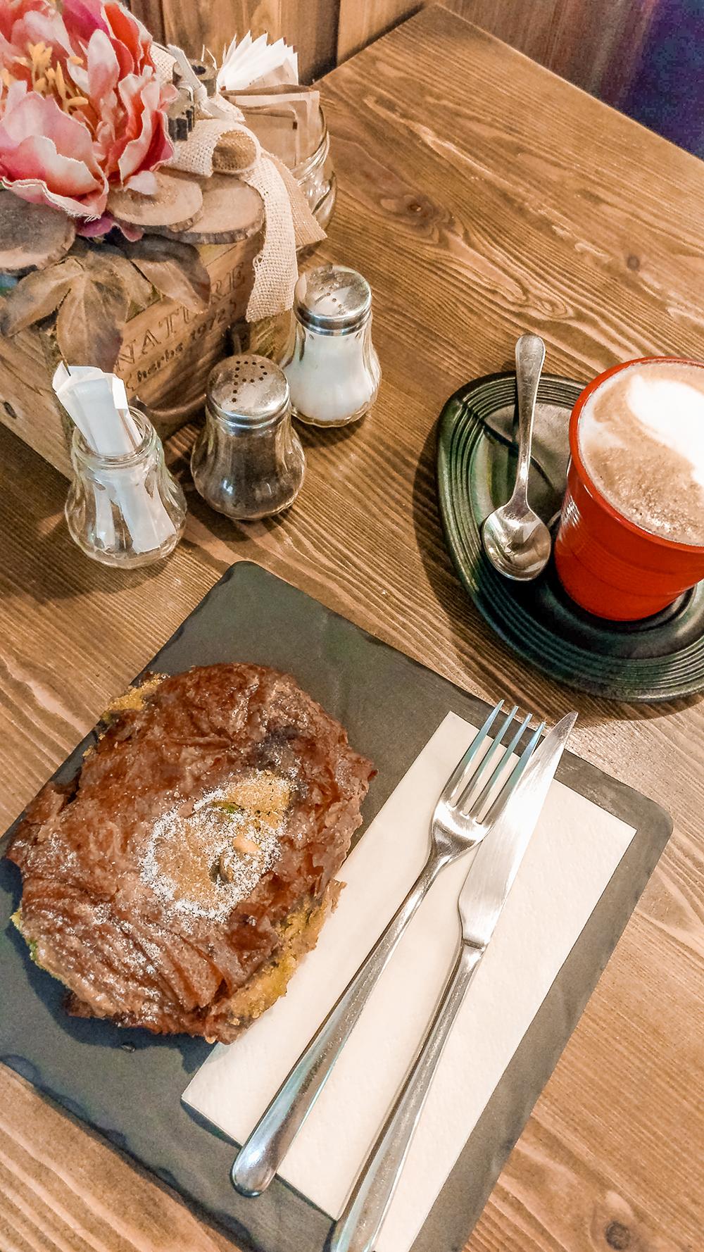 Pain aux chocolat pistache in Á table Madách Boulangerie - Pátisserie - Budapest's best breakfast & brunch places in the centre - Deák Ferenc square and Astoria | Aliz's Wonderland