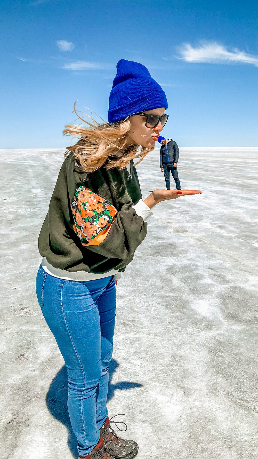Salar de Uyuni photoshoot - How to pick the best Uyuni Salt Flats tour to Bolivia? | Aliz's Wonderland