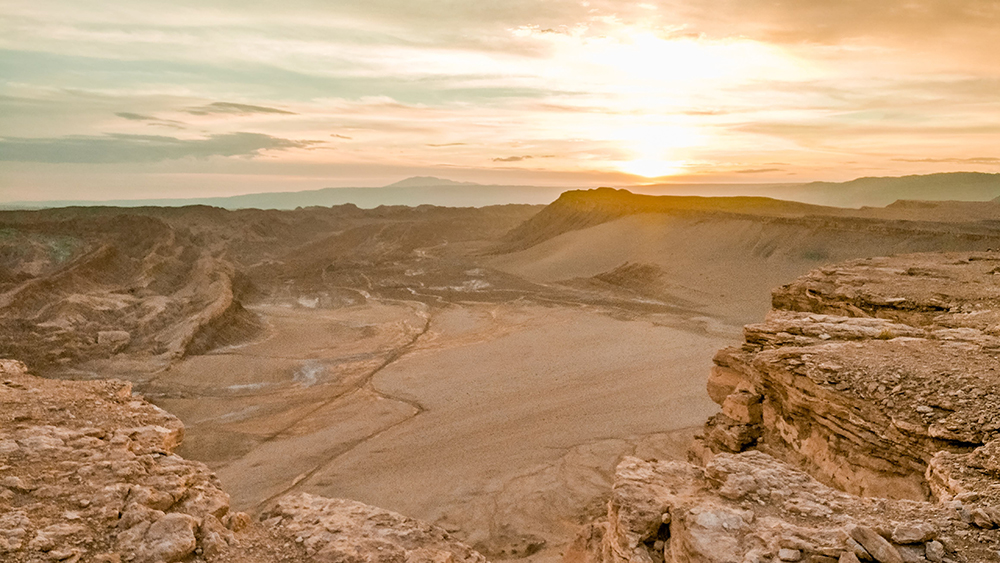 Valle de la Luna (Moon Valley) tour finishes wit sunset from Coyote viewpoint - How to plan your perfect trip to San Pedro de Atacama, Chile? | Aliz's Wonderland