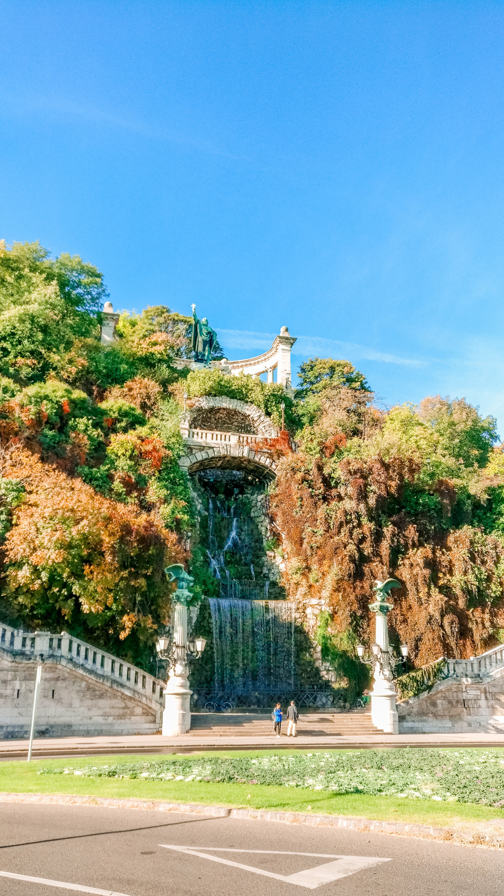 Gellért Statue and the waterfall - How to explore Budapest in 2 days? - a local's travel guide with prices and map | Aliz's Wonderland