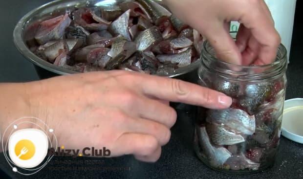 Способ приготовления рыбных консервов в мультиварке-скороварке