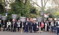 بريطانيون يحتجون أمام سفارة المغرب بلندن احتجاجا على فيوليا وأمانديس
