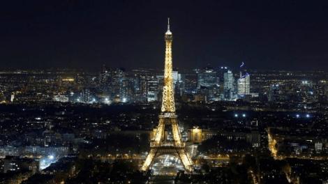مطعم شهير بباريس يمنع دخول العرب والمحجبات