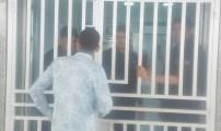 حراس الأمن الخاص بالمستشفى الحسني يتساقطون كأوراق الشجر وهذا هو السبب.