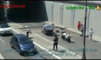 فيديو حادث سير يريك حركة السير بطنحة ويتسبب في خسائر مادية