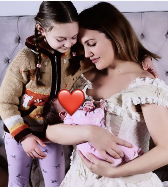 Maryam Ozerli shows her second daughter without marriage - Pictures