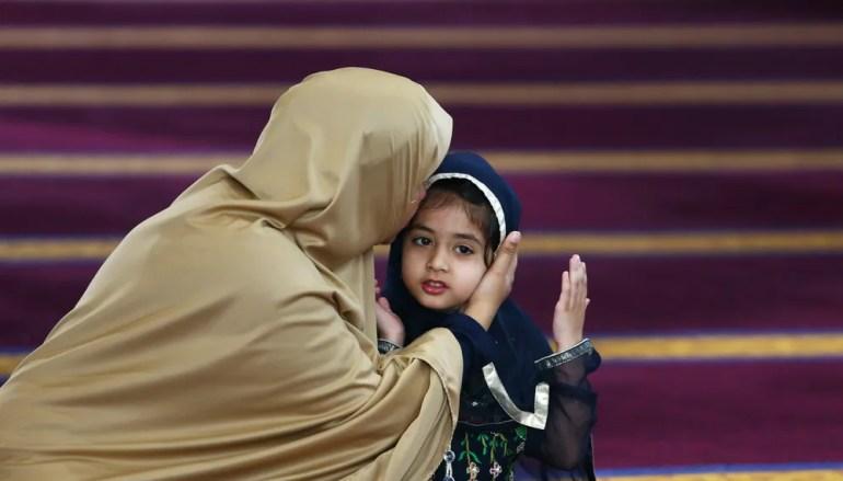 6 Ways Muslim Parents Push Their Children Away