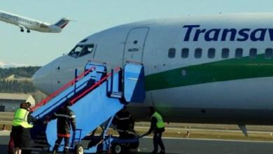Photo of طائرة تهبط بشكل اضطراري بسبب رائحة أحد الركاب الكريهة