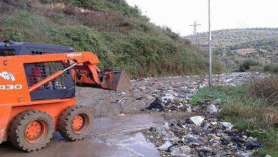 Photo of إعادة فتح طريق الدريكيش جنينة رسلان بعد إغلاقه بسبب انهيار جزء من مكب النفايات عليه