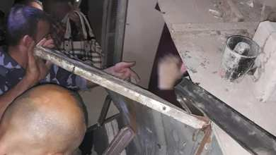 Photo of انقاذ أربعة أشخاص كانوا عالقين بمصعد في حي الجميلية بحلب