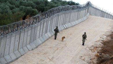 Photo of جدران عازلة تركية تدخل البلاد لتقطيع أوصال الأراضي السورية
