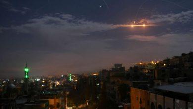 "Photo of مصدر عسكري: دفاعاتنا الجوية تتصدى لعدوان ""إسرائيلي"" على المنطقة الجنوبية وتسقط معظمها"