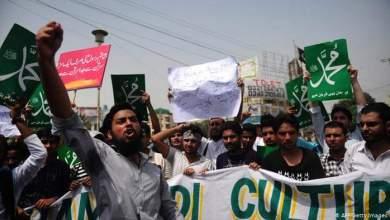 Photo of باكستان تحجب وسائل التواصل الاجتماعي