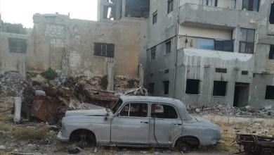 Photo of شاهدة على الحرب ومخلفاتها .. السيارات المدمرة مرتعاً للأوساخ والجرذان في شوارع حمص