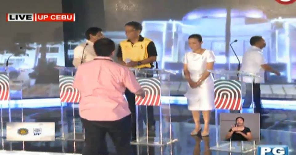 binay walks out
